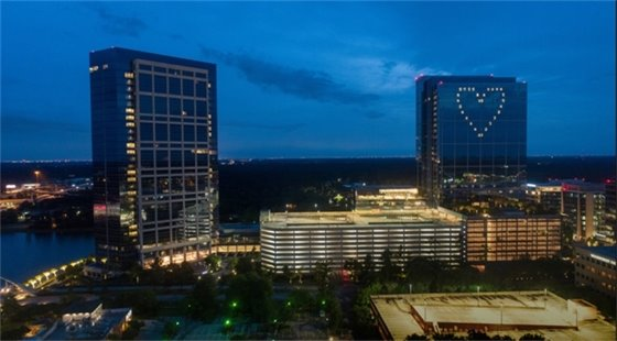 Message of Thanks and Support Lights The Woodlands Skyline