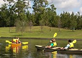 Kayaking in Lake Woodlands