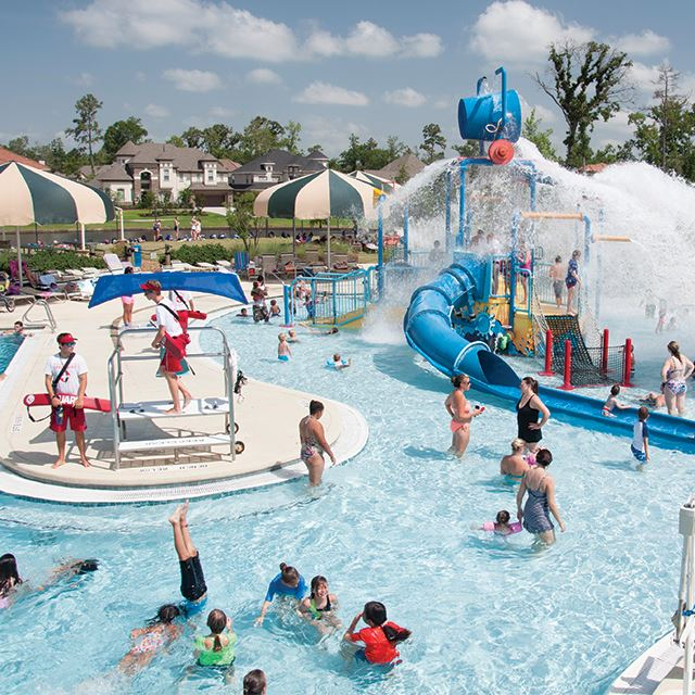 Rob-Fleming-Aquatic-Center_640x640